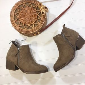 NEW Ortholite Suede Studded Ankle Boots